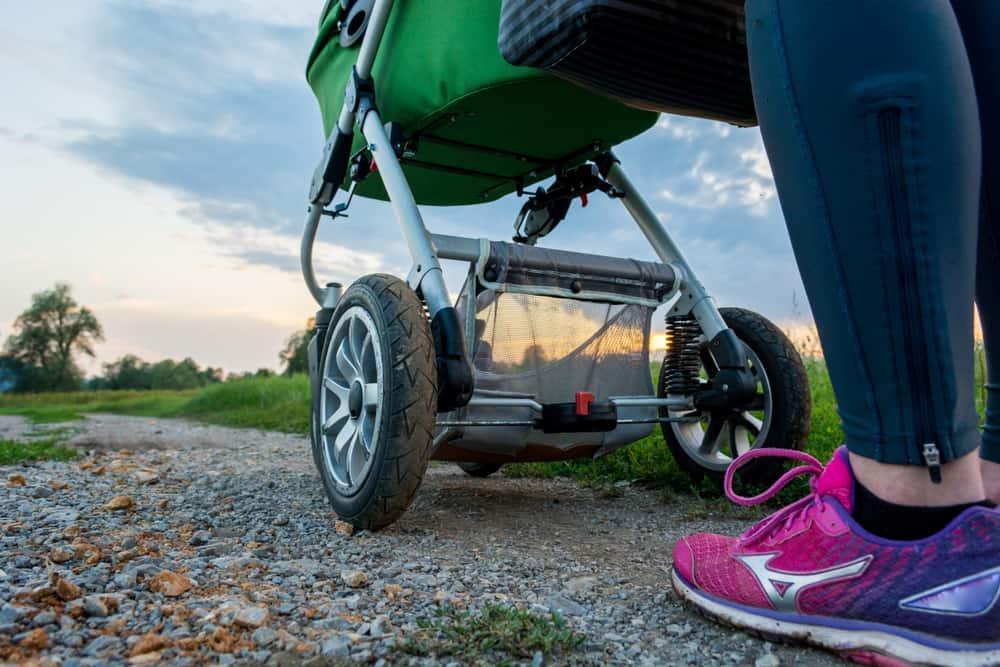3 wheel vs 4 wheel tires stroller
