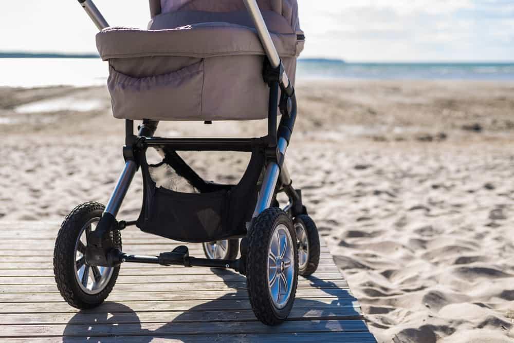 3 wheel vs 4 wheel stroller